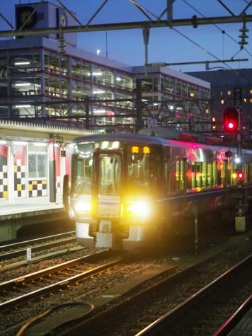 JR北陸本線 521系 電車【金沢駅】