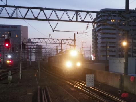 JR貨物 EF510電気機関車牽引の貨物列車【朝の金沢駅】