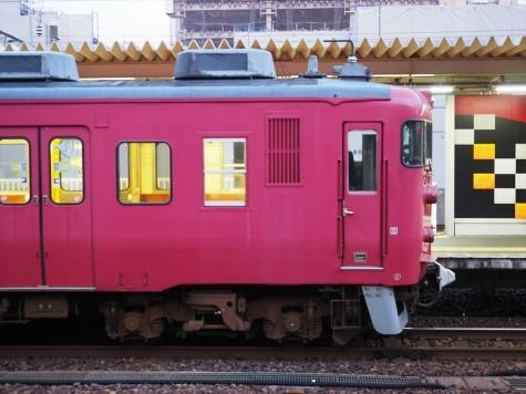 JR七尾線 413系 電車【朝の金沢駅】