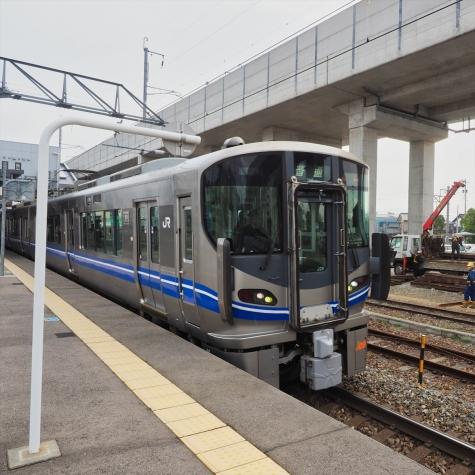 JR北陸本線 521系 電車【西金沢駅】