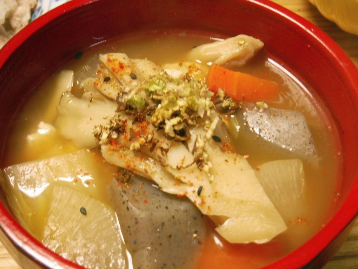 ブログ 夕食 冷しゃぶのサイドメニュー、けんちん汁にフキノトウの香り添え.jpg