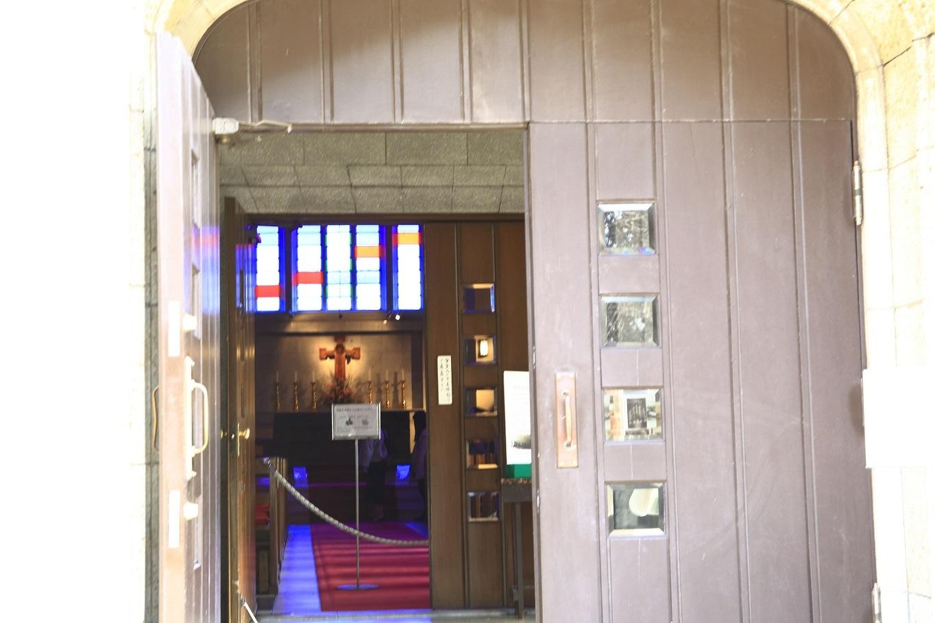 ブログ 山手聖公会の入り口.jpg