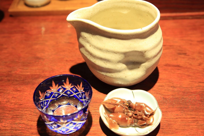ブログ 会津の地酒でまったり 品の良い味付けのホタルイカが突き出し.jpg