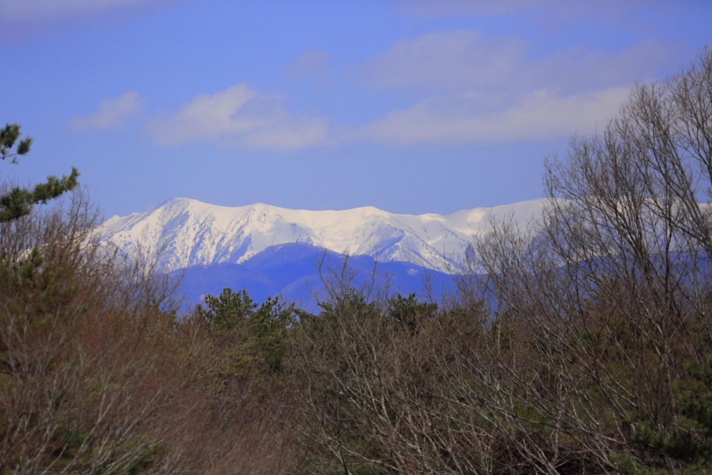 ブログ 那須連山の雪も少なくなっています.jpg