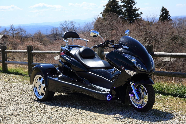 ブログ 御亭山で出会ったバイク.jpg