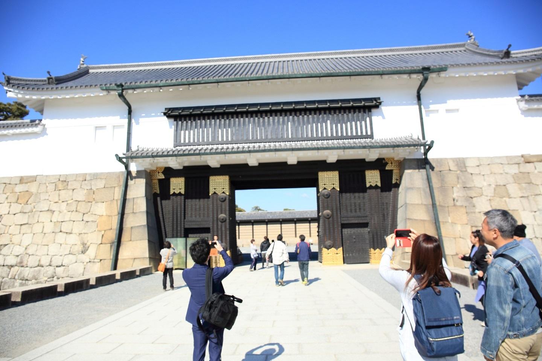 ブログ 朝一開門の二条城.jpg