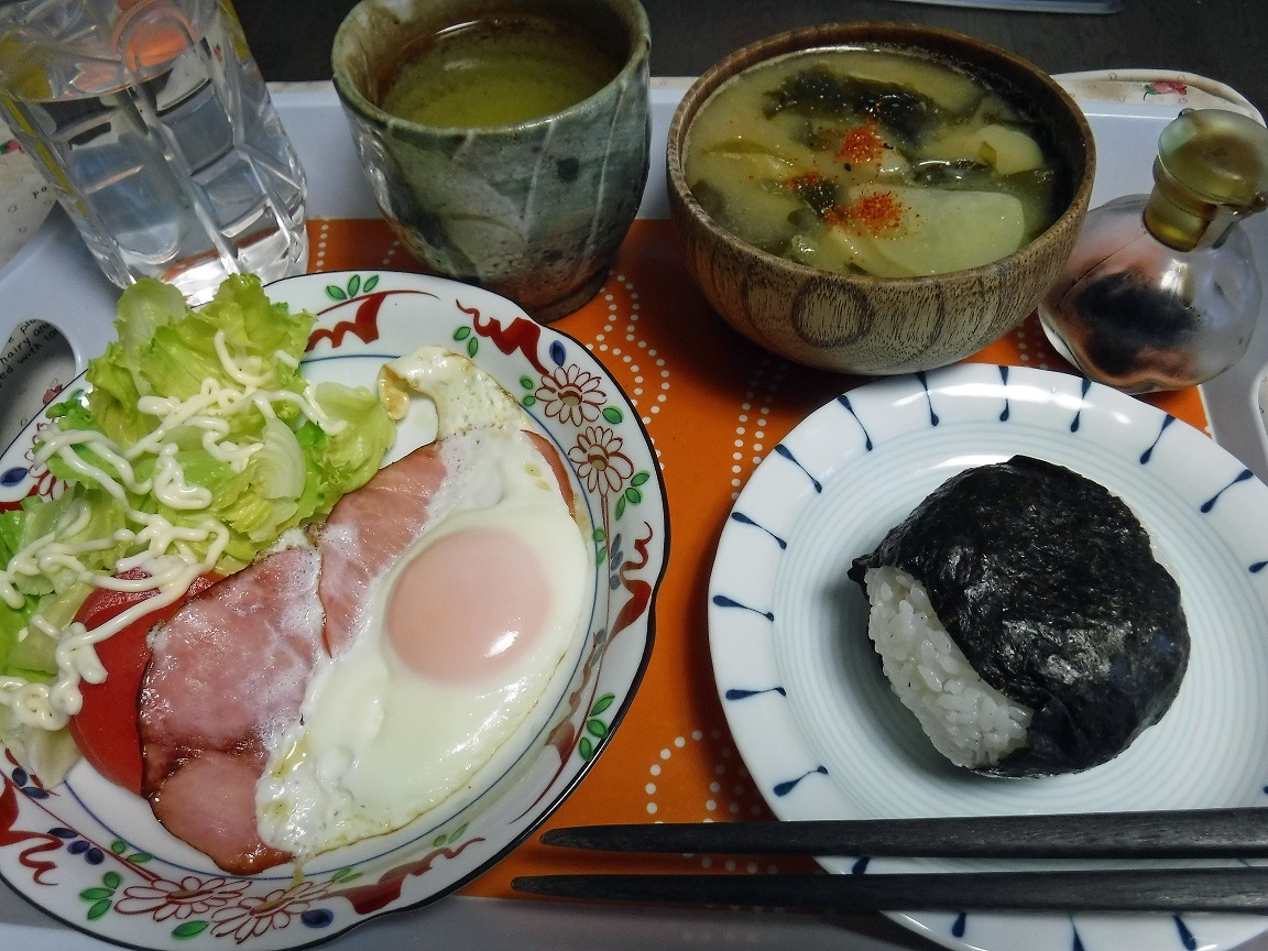 ブログ 今日の朝の朝食.jpg