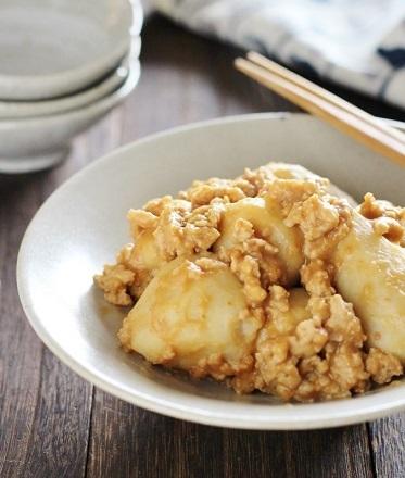 里芋ごま味噌煮