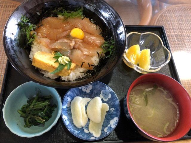 平目ヅケ丼