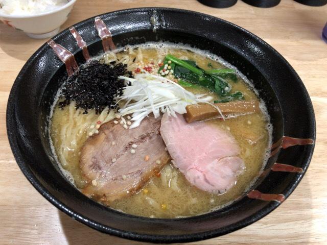鶏白湯魚介拉麺