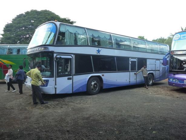 プノンペン行きのバス キレイで快適_サイズ変更