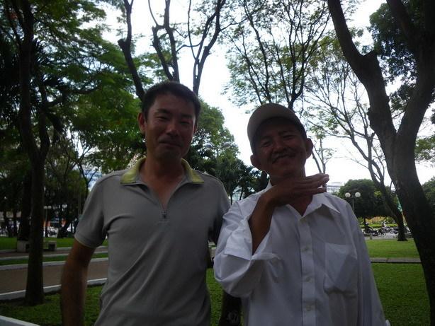 フーさん52歳 日本語ペラペラのバイクタクシー運ちゃん2_サイズ変更