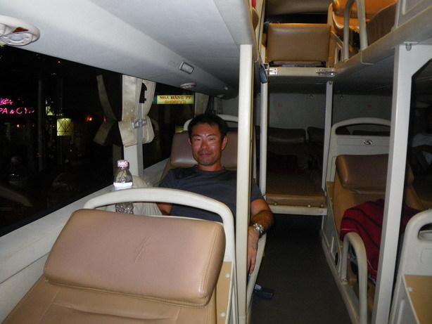 ホイアン行きのsleeping bus_サイズ変更