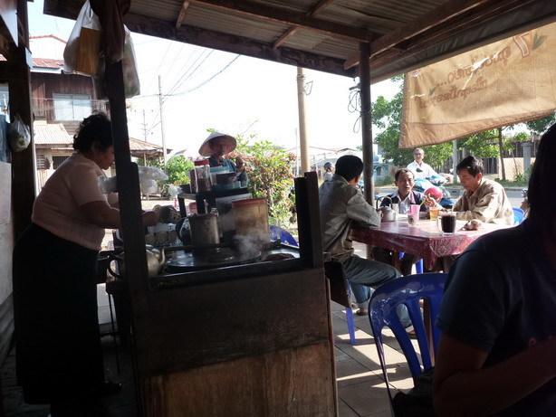 サービス満点のおばちゃんのカフェ_サイズ変更