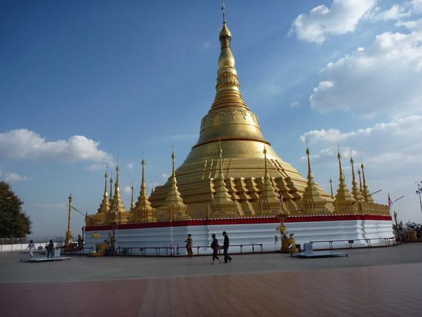 パゴダ1 ヤンゴンにあるパゴダのレプリカらしい_サイズ変更
