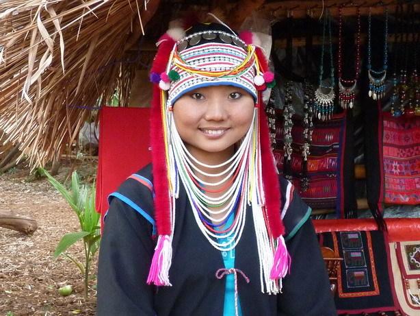 アカ族の女性1_サイズ変更