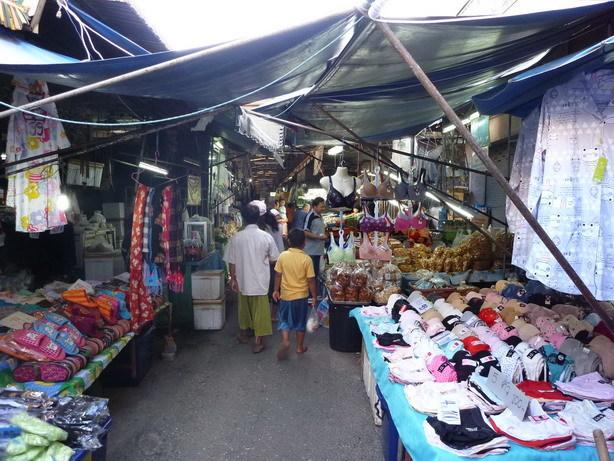 チェンラーイの市場_サイズ変更