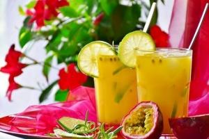 cocktail-3408834__340.jpg