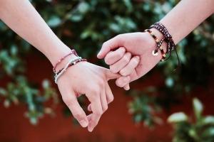 friendship-2156174__340.jpg