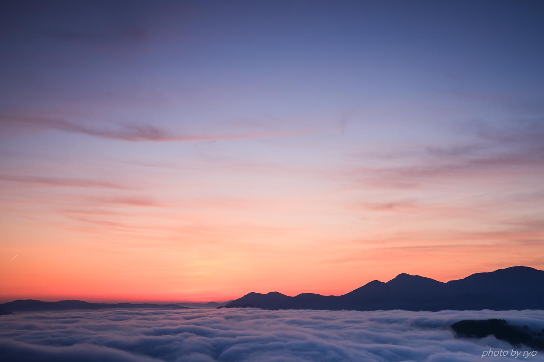 飛行機雲の朝_5