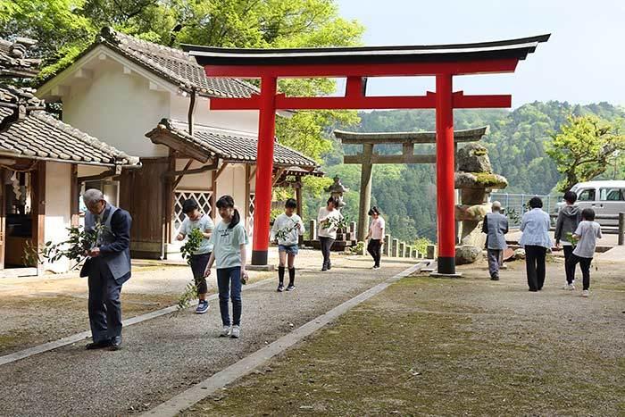 桃香野八幡神社 弁天一万度祭2