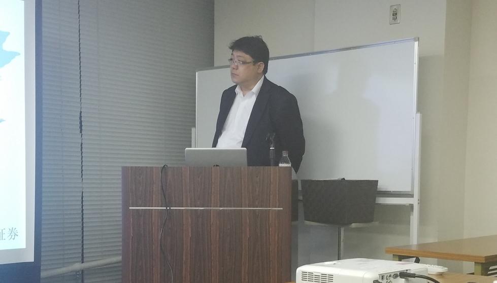 02_セミナー中の澤田社長