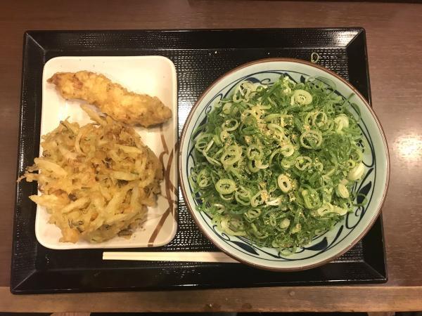 香川人、丸亀製麺にガチでブチ切れ「丸亀製麺のネギだくは邪道、県外民が香川でマネするからマジやめろ」