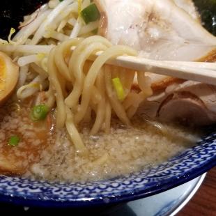 しゃがら弁天 関ヶ原ラーメン 麺スープ