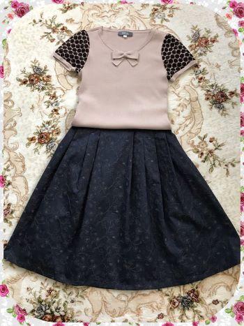 ひざ丈スカートネイビー刺繍 (1)