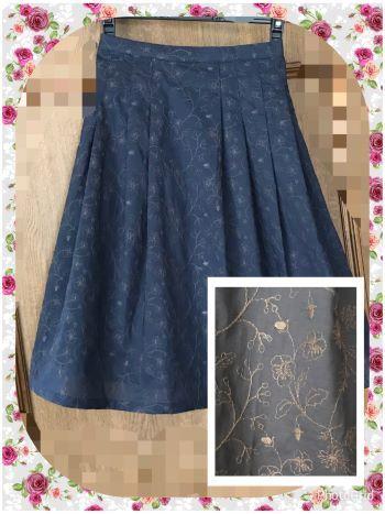 ひざ丈スカートネイビー刺繍 (2)