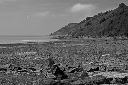 サン・ジャン・ル・トマの海辺から見るシャンポーの崖