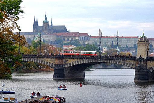 プラハ城 レギー橋越し遠望