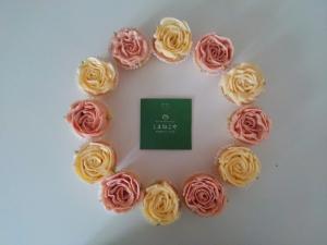 バラのカップケーキリースショップカード01