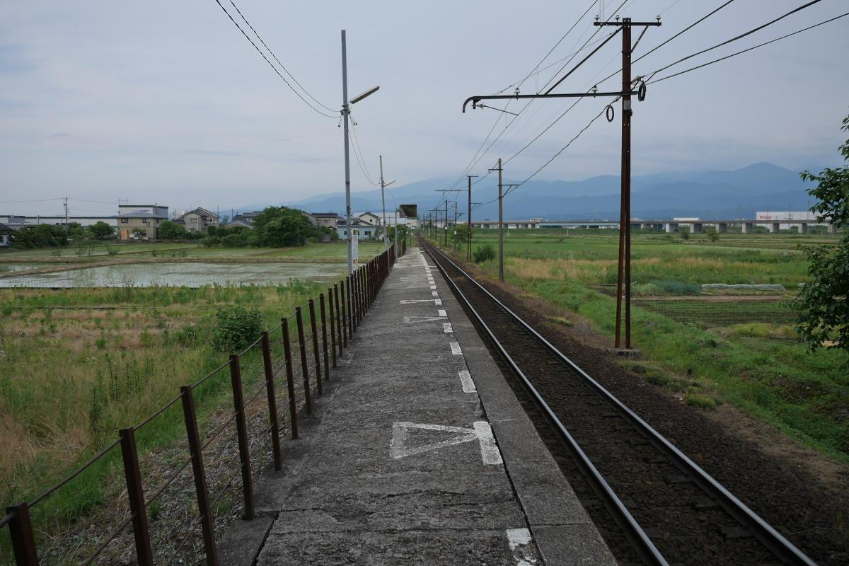 09越中泉03ホーム