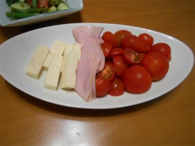 010621初トマトと適当盛り合わせ