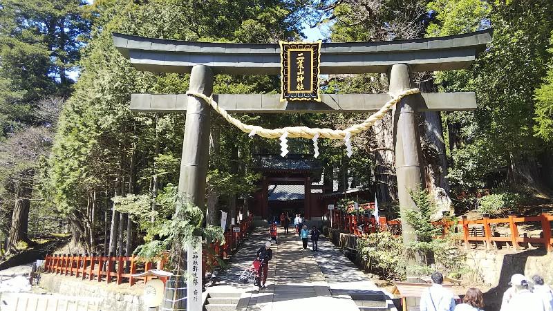 日光二荒山神社奥に神門201904