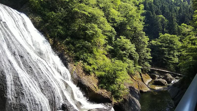 袋田の滝吊り橋と滝201905