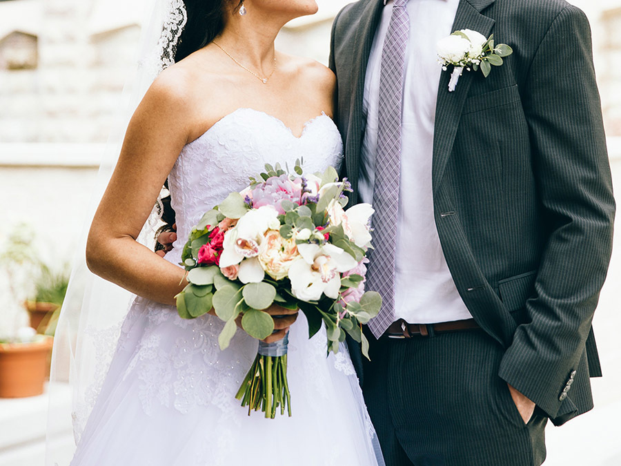 bride-groom-love_900x675.jpg