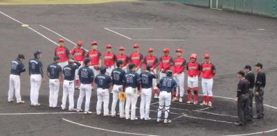 P3210279一塁側ハウスプラン熊本 三塁側グリフィス ハウスプラン熊本のユニフォームが変わりましたね