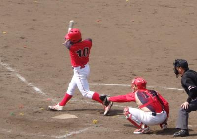 P33104455回裏ハウスプラン熊本2死二、三塁から3番が右前2点打を放つ