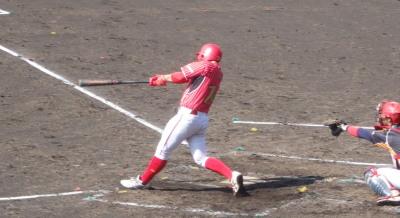 P5031054佐川急便2回表2死満塁から4番が中越え3点二塁打を放つ