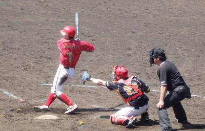 P5031163 佐川急便6回表2死二、三塁から2番が右越え2点二塁打を放つ