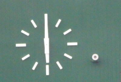 P5131692 水前寺球場の時計は6時