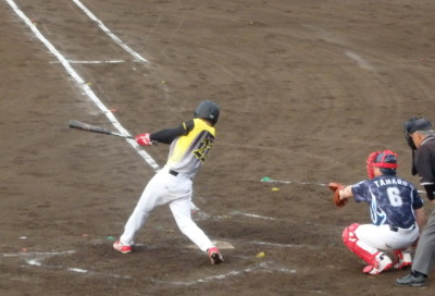 P5151936続く7番原口健伸が左越え二塁打を放ち2点追加