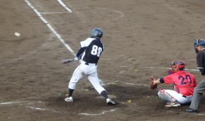 P5172179 労働局2回裏2死三塁から1番が中越え二塁打を放ち、この回2点目