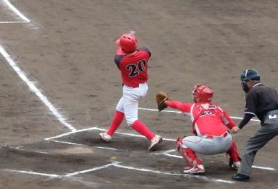 P5313131 H・プラン1回表1死一塁から3番が右翼線二塁打を放ち一、三塁と先制のチャンス
