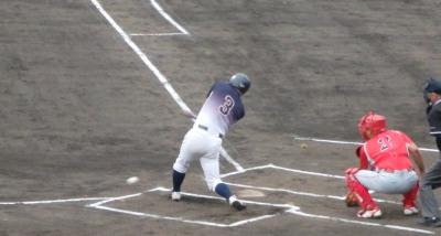 P6063402県庁紳士1回表1死一塁から3番が遊ゴロEで一二塁とするが、後続が2連続三振。