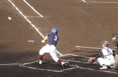 P6174014 熊本市教組 2回裏無死一塁から5番が左越えエンタイトル二塁打を放ち二、三塁とすると