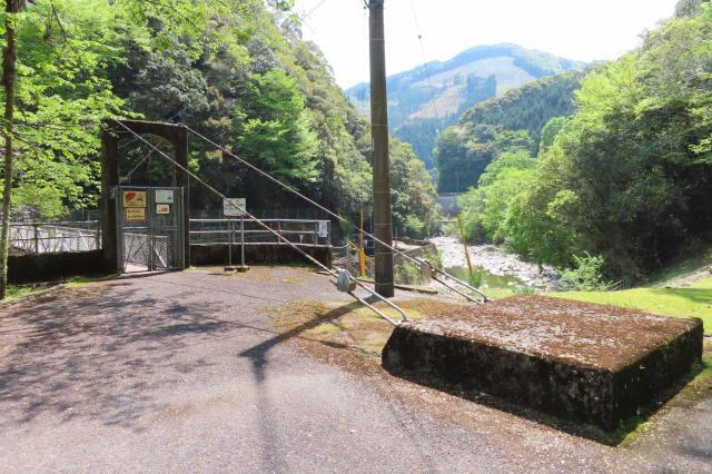 板取取水ダムの吊橋9