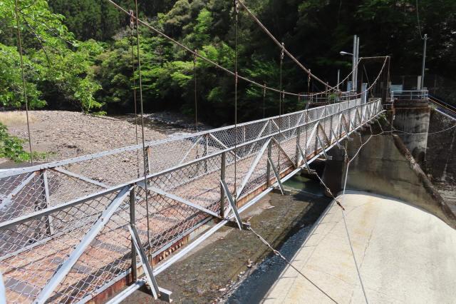 板取取水ダムの吊橋6